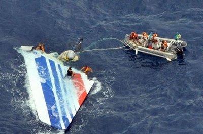 6月1日一架法国航空公司飞机与地面失去联系失事撞毁