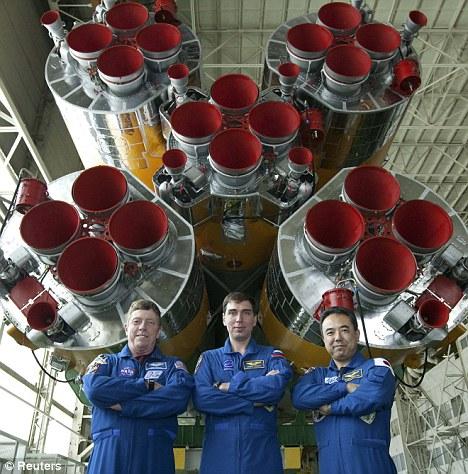 国际空间站新长期考察组成员-日本宇航员古川聪、俄罗斯宇航员谢尔盖•沃尔科夫和美国宇航员迈克•福苏姆。