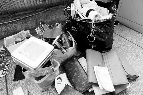 女贼偷窃后写工作日记总结经验自我励志(图