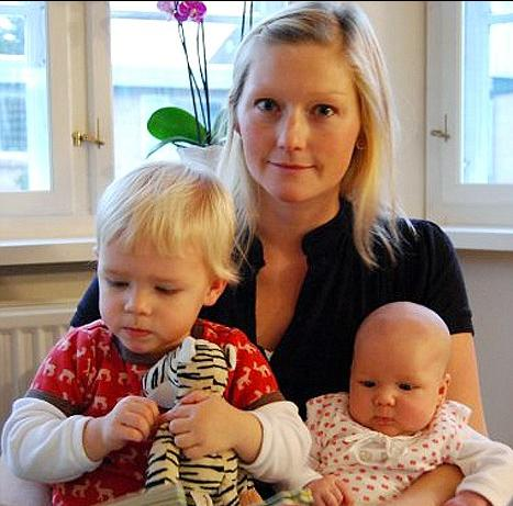 骨癌患者斯廷�{•霍��姆•�|�霍��特在接受卵巢冷�龊突刂仓�后,生育了3��孩子。