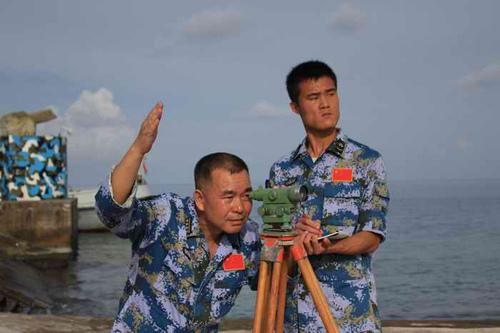 李文波_李文波带领导官兵精心测量每一组数据