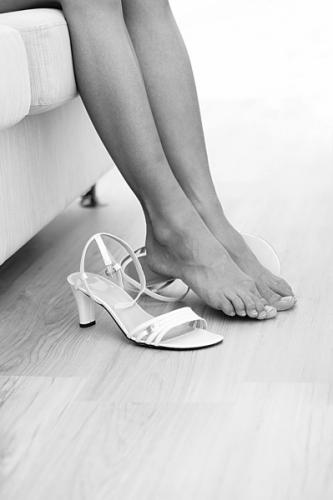 不良习惯一:光脚穿凉鞋