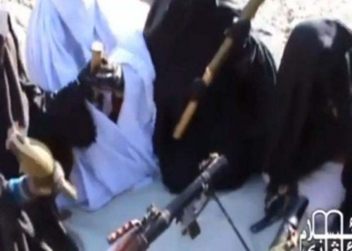 视频 女性 恐怖组织/恐怖组织训练女性成员射击视频曝光...