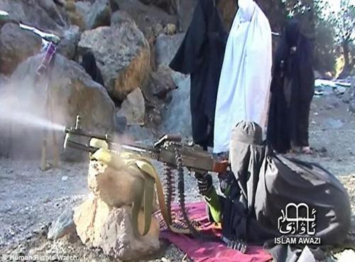 视频 训练/恐怖组织训练女性成员射击视频曝光