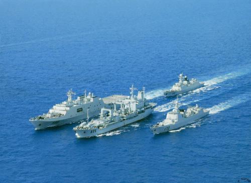 美媒:中国重点发展远洋战舰 海军实力逼近美国 (6)