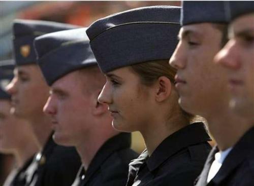 女生 西点军校/西点军校女学员逐渐增多,近来相关丑闻也与日俱增