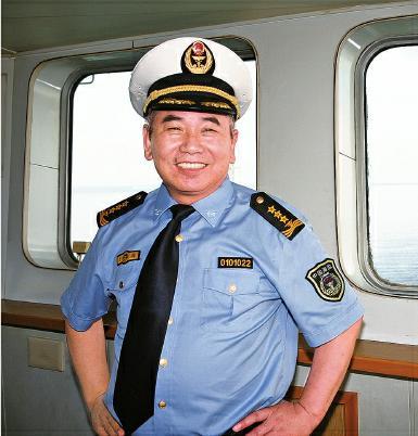 海监硬汉船长强硬维权:下令冲击驱离对方船只