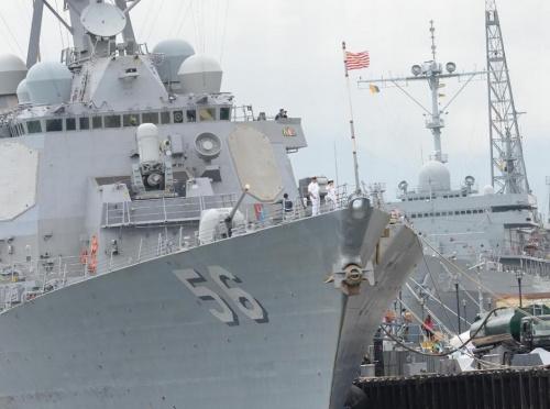 美菲开端在南水师演 美军派出宙斯盾舰(组图)