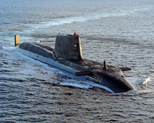 """材料图:英国""""机警""""级袭击核潜艇"""