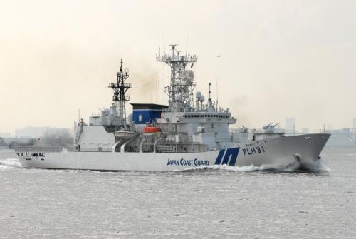"""日本最大的海巡船""""敷岛""""号,排水量超过7000吨"""