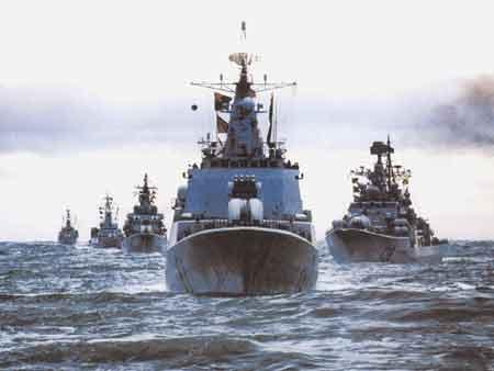资料图:中国海军舰队出海远航
