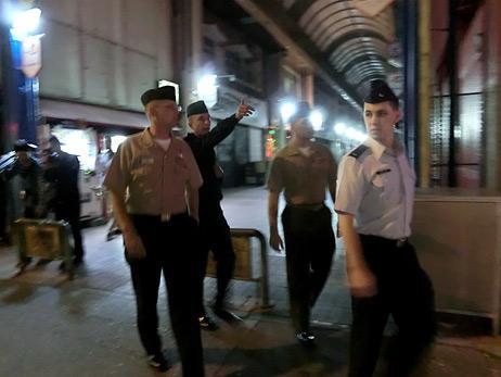 材料图:驻冲绳美军各兵种宪兵结合巡查审查甲士违纪