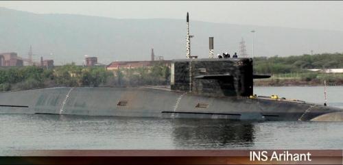 """资料图:印度""""歼敌者""""号核潜艇出厂时的照片。"""