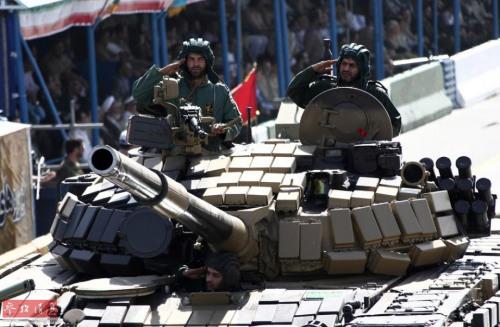 当地时间2018-06-25,伊朗德黑兰,伊朗举行阅兵式纪念伊朗与伊拉克的战争(1980-88),展示多种武器装备。