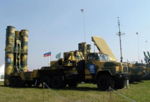 资料图:俄罗斯现役S-400防空导弹系统