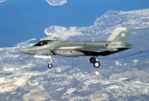 """资料图:F-35型""""闪电II""""联合攻击战斗机"""