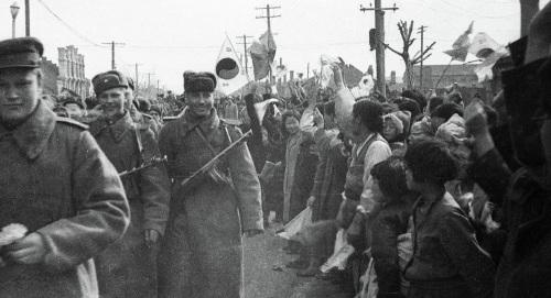 榜首个寻觅苏联士兵尸体的俄中考查团在国家动身(译文配图)