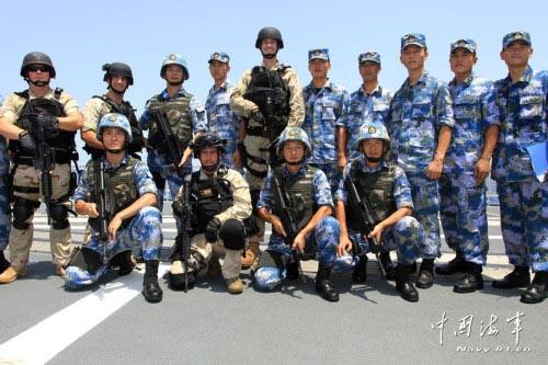 材料图:中美在亚丁湾举办反海盗练习