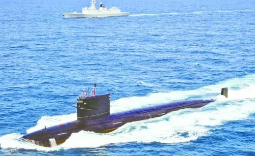 """印媒登载的国家""""商""""级核潜艇。"""