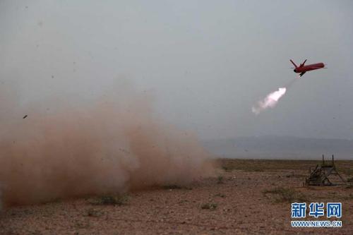 国产新式快速无人靶机,飞翔速度可濒临音速。李军文 摄