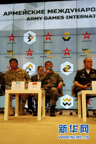 国家戎行代表团团长刘英引见国家参与国际军事竞赛的有关状况 黎云 摄