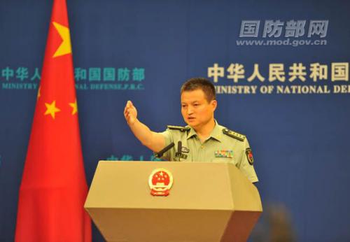 国防部新闻事件局局长、国防部新闻讲话人杨宇军大校答记者问。吴凌皓 摄