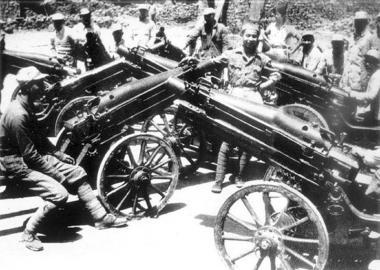 武宁会战中,中国军队的装备。(资料图片)