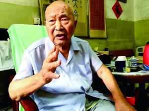 范輝老人不愿多談過往經歷的危險,但對救了自己一命的警衛員念念不忘,一再夸贊他非常勇敢。