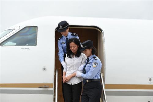 美国连续遣返中国外逃人员 中美反腐合作提速(图)