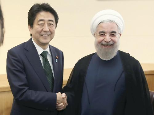 安倍连会中东两国首脑 欲谋求稳定能源供给