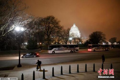 资料图:美国国会大厦外景。