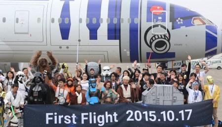 日本《星球大战》彩绘客机开端执飞。