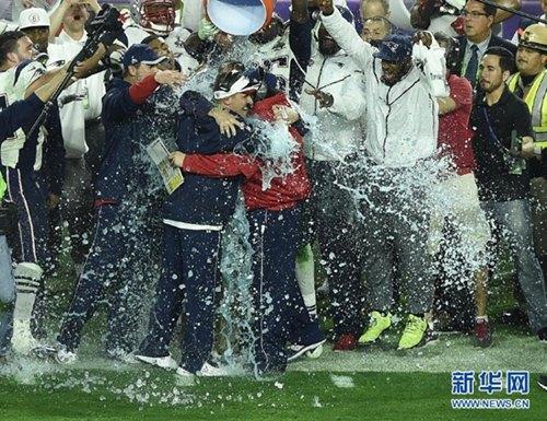 资料图:新英格兰爱国者队庆祝夺得超级碗。图片来源:新华网