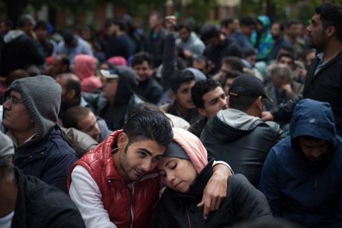 数据:2015年共有90万移徙者和难民从海路入欧洲