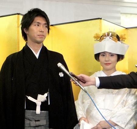 日本一男性国会议员要休产假 首相安倍送祝福