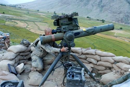 """资料图:美国此次售台""""陶""""式反坦克导弹"""