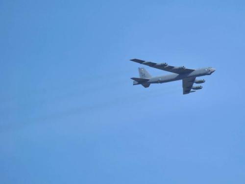材料图:美军B-52战微轰炸机