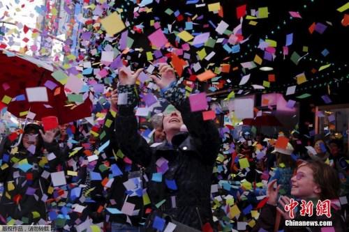 国际一周观:全球高警戒迎新年 韩日热谈慰安妇问题