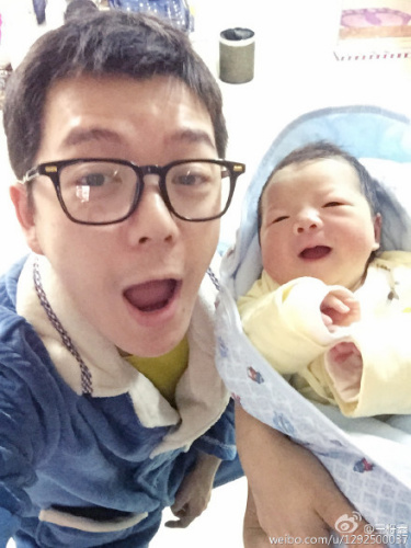 [明星爆料]星二代引质疑:王栎鑫呛网友 宋丹丹儿子被批扮相丑