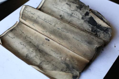 英国旅馆烟囱内藏百年前作家手稿:字迹模糊(图)