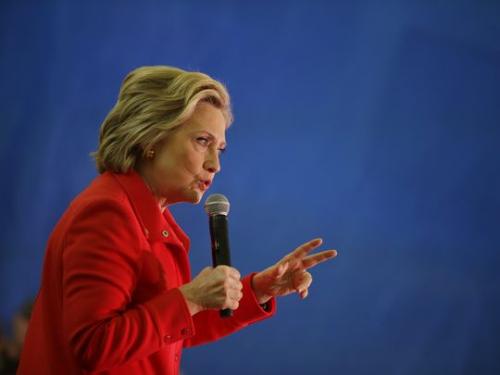 希拉里15日在內華達州雷諾發表講話。