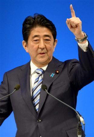 被促先改善日本经济 安倍与执政党就修宪存分歧