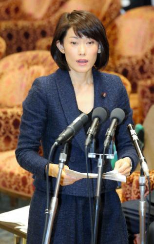 """日本环境相答辩不知""""环境日""""日期 遭批评质疑"""