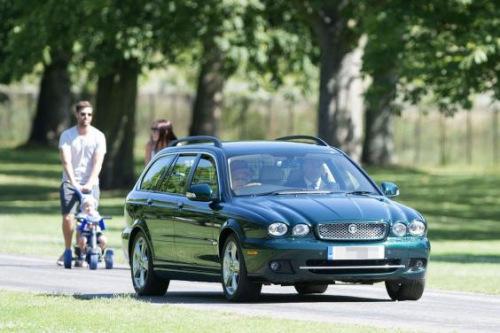 英女王旧座驾1.5万英镑售出 买家不知系王室财产