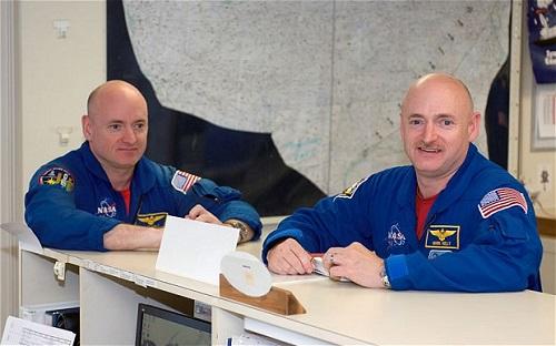 资料图:斯科特·凯利(左)和马克·凯利(右)