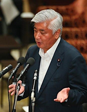 """日本防相称安保法能""""遏制战争"""" 强化日美同盟"""