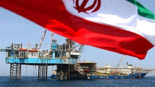 資料圖:伊朗正在進行石油開采。