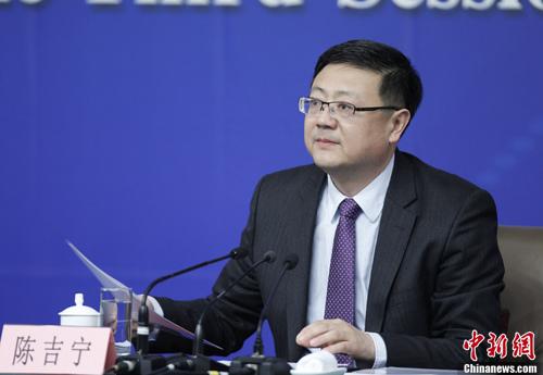 资料图。环境保护部部长陈吉宁。记者 杜洋 摄