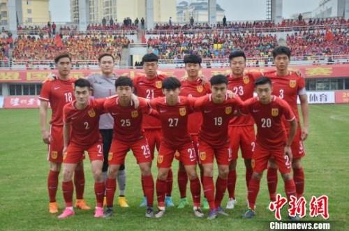 通过三场比赛,中国国青进一步磨合队伍。翟李强 摄