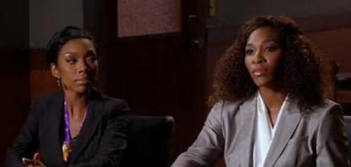 小威(右)客串《美女上错身》。图片来源:视频截图。